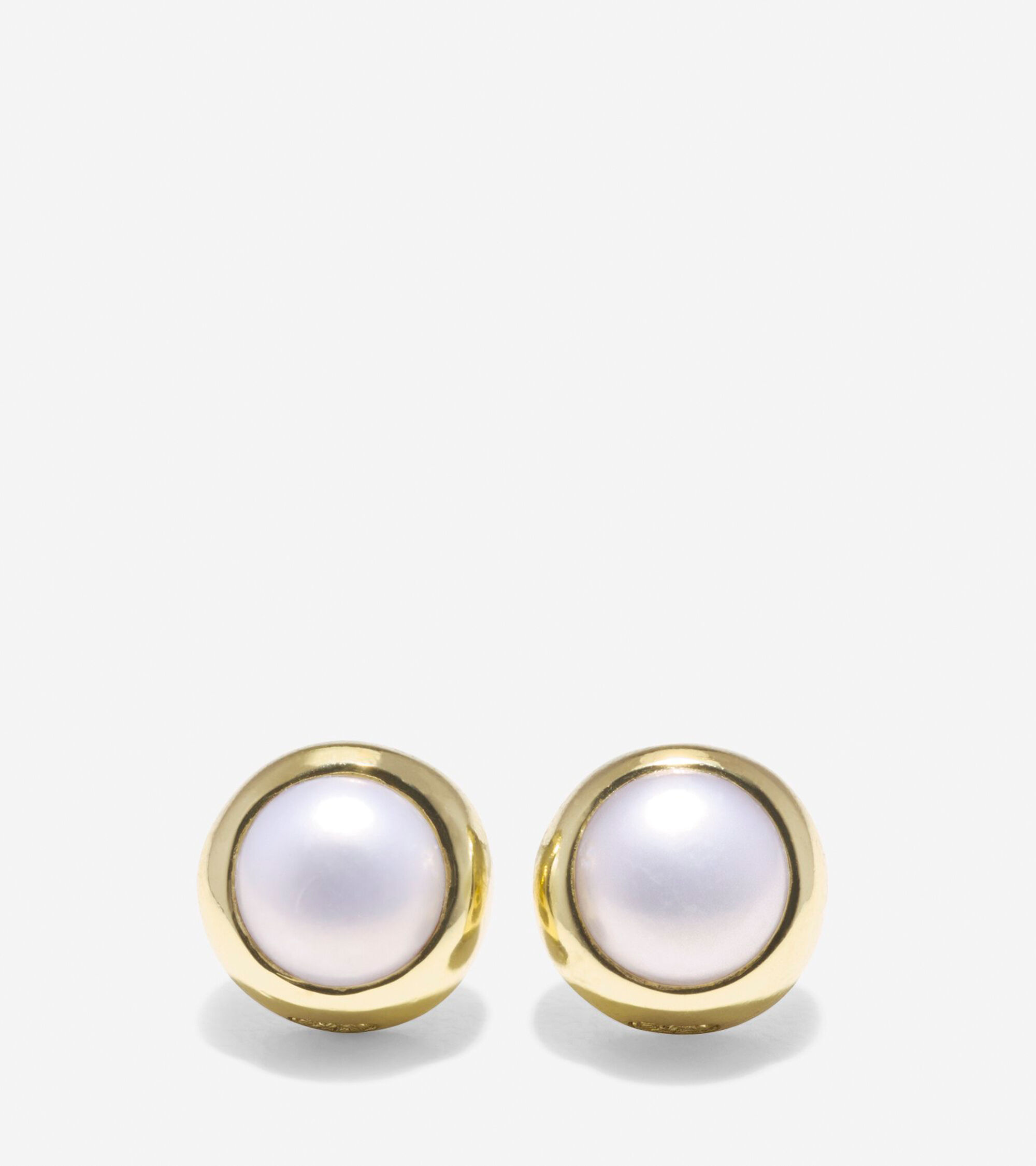 Jewelry > To The Moon Round Fresh Water Pearl Stud Earrings