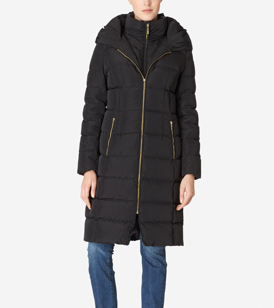 Outerwear > Hooded Quilted Exposed Down Jacket