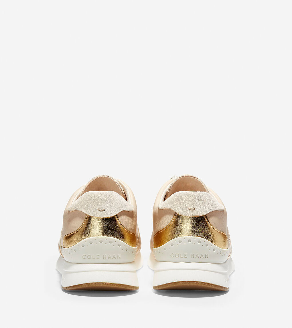 Womens GrandPrø Running Sneaker LX
