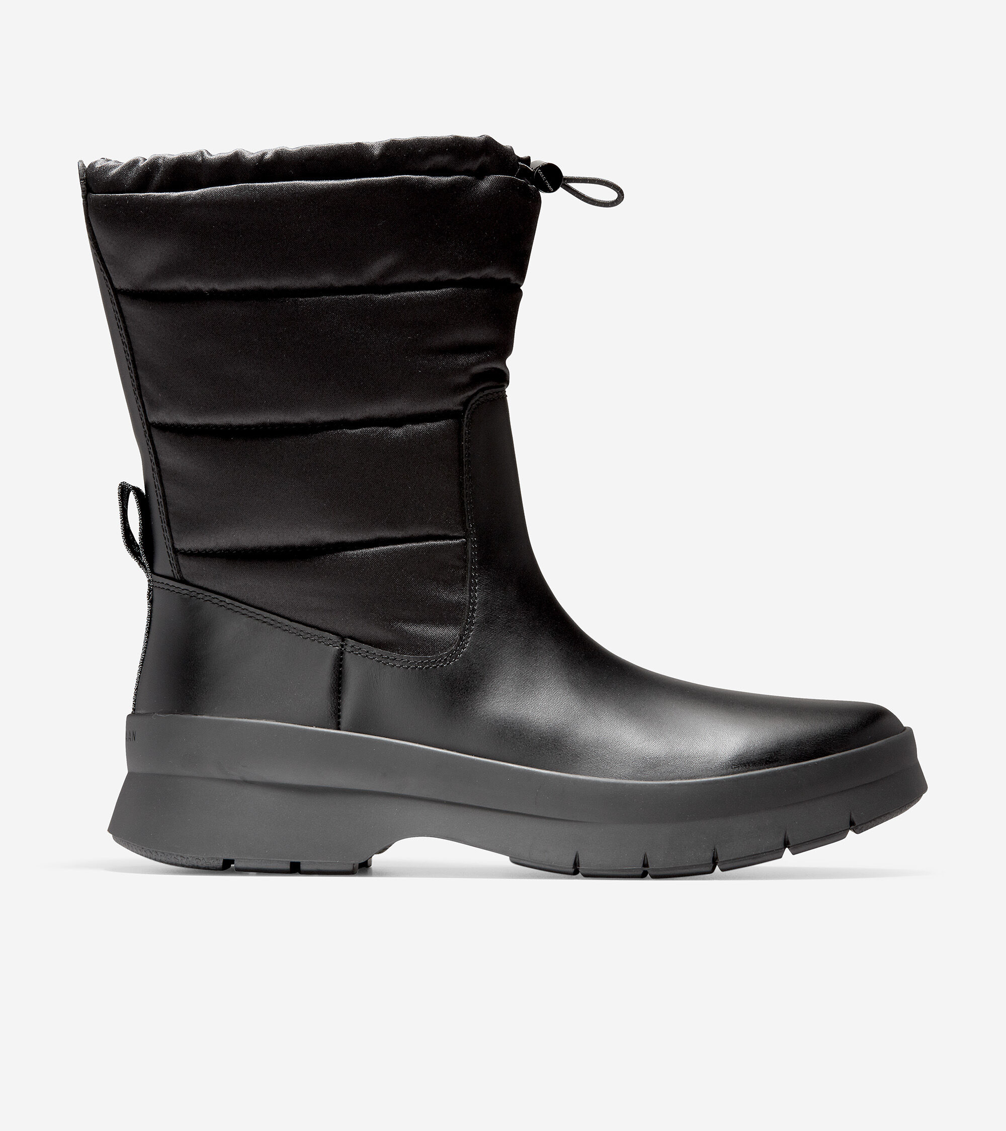Waterproof leather and water-resistant nylon uppers with puff backing. Front drawstring toggle. Rubber outsole with GRANDFØAM.