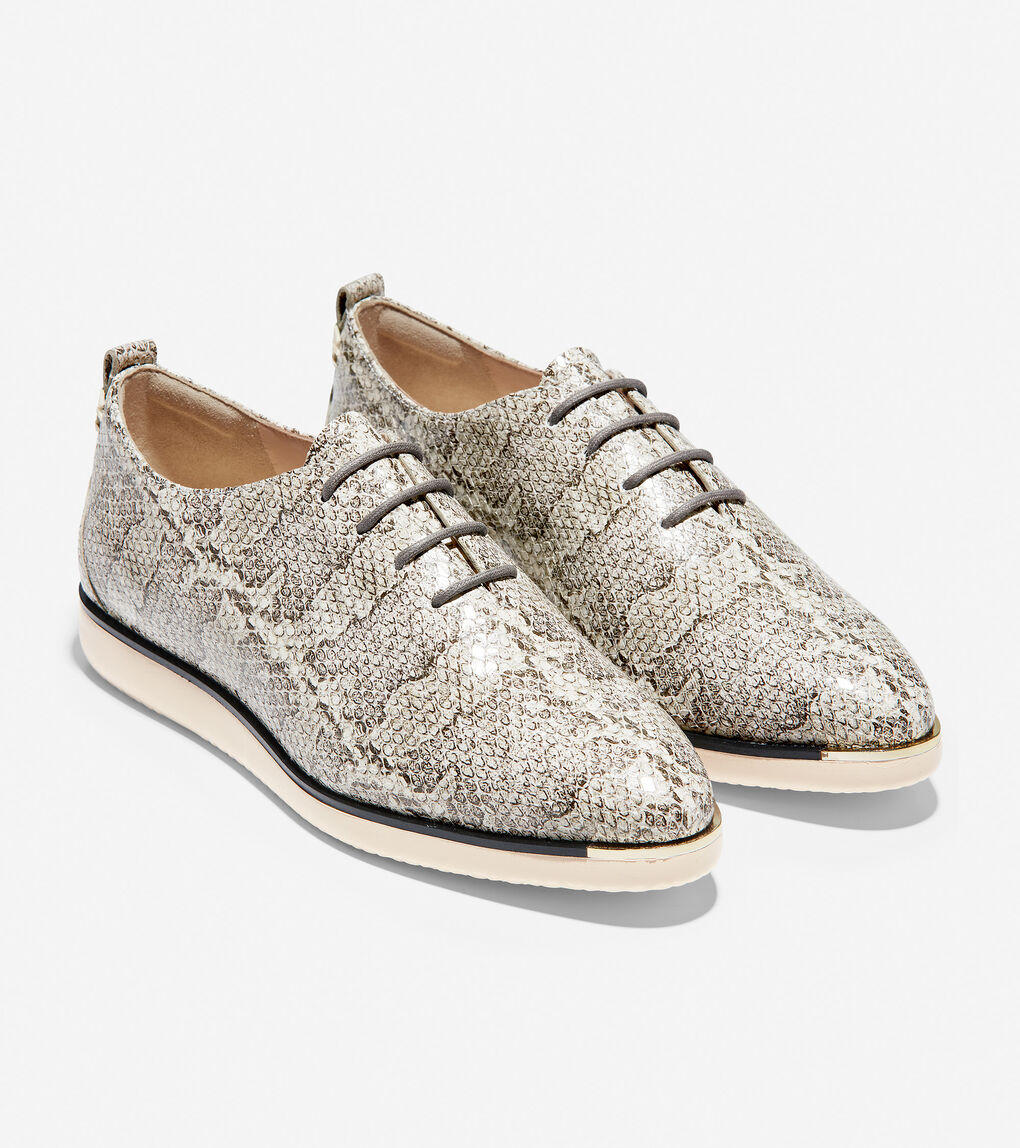 Womens Grand Ambition Lace-Up Sneaker