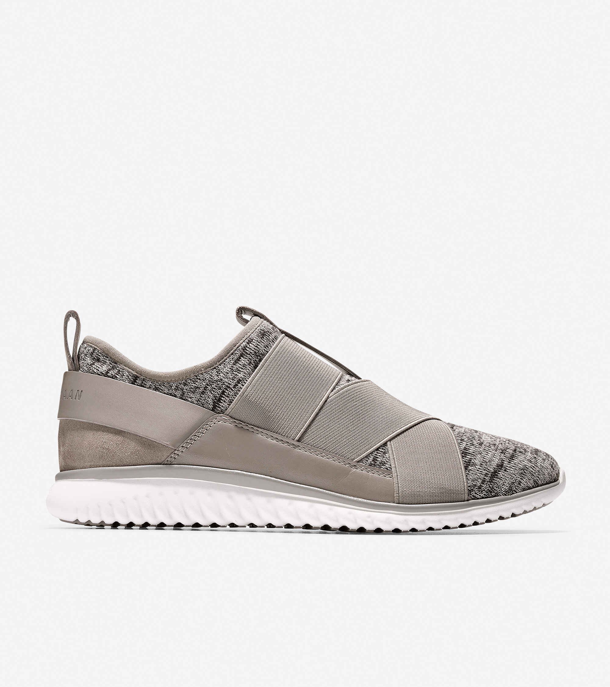 Knit uppers with smooth leather and suede detail, with gore detail. Fully lined. Padded sock lining. Full rubber outsole with GRANDFØAM.