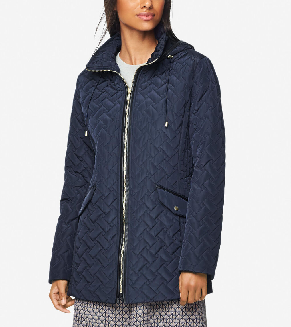Womens Signature Barn Jacket With Hood