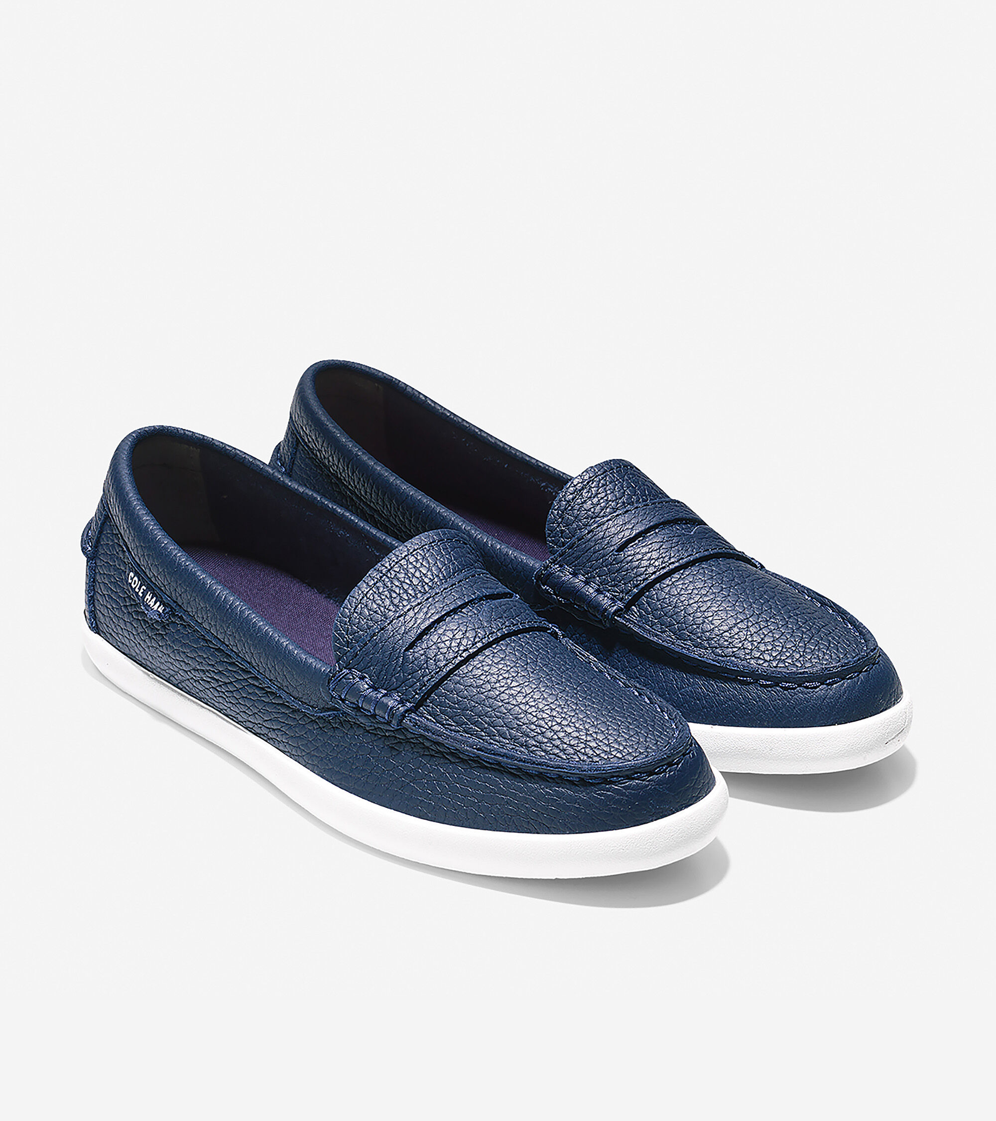 Nantucket Loafer in Peacoat Leather
