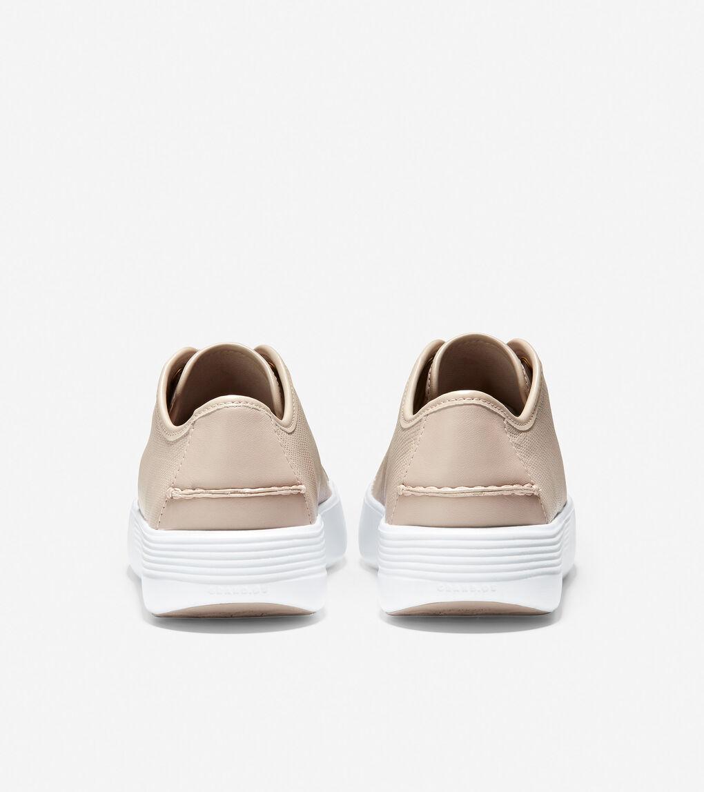 WOMENS Grand Crosscourt Flatform Lace-Up Sneaker