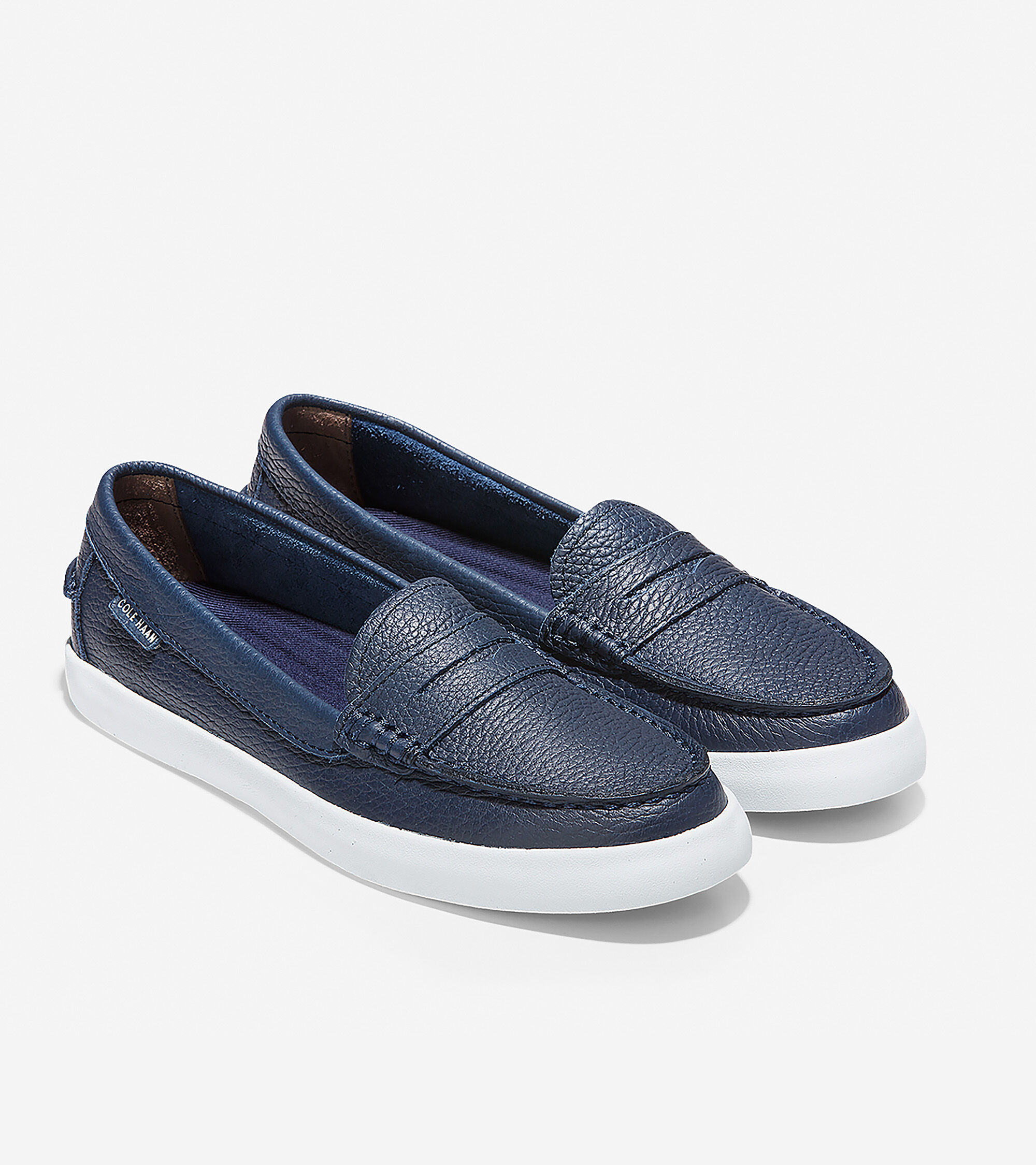 Nantucket Loafer in Navy Leather