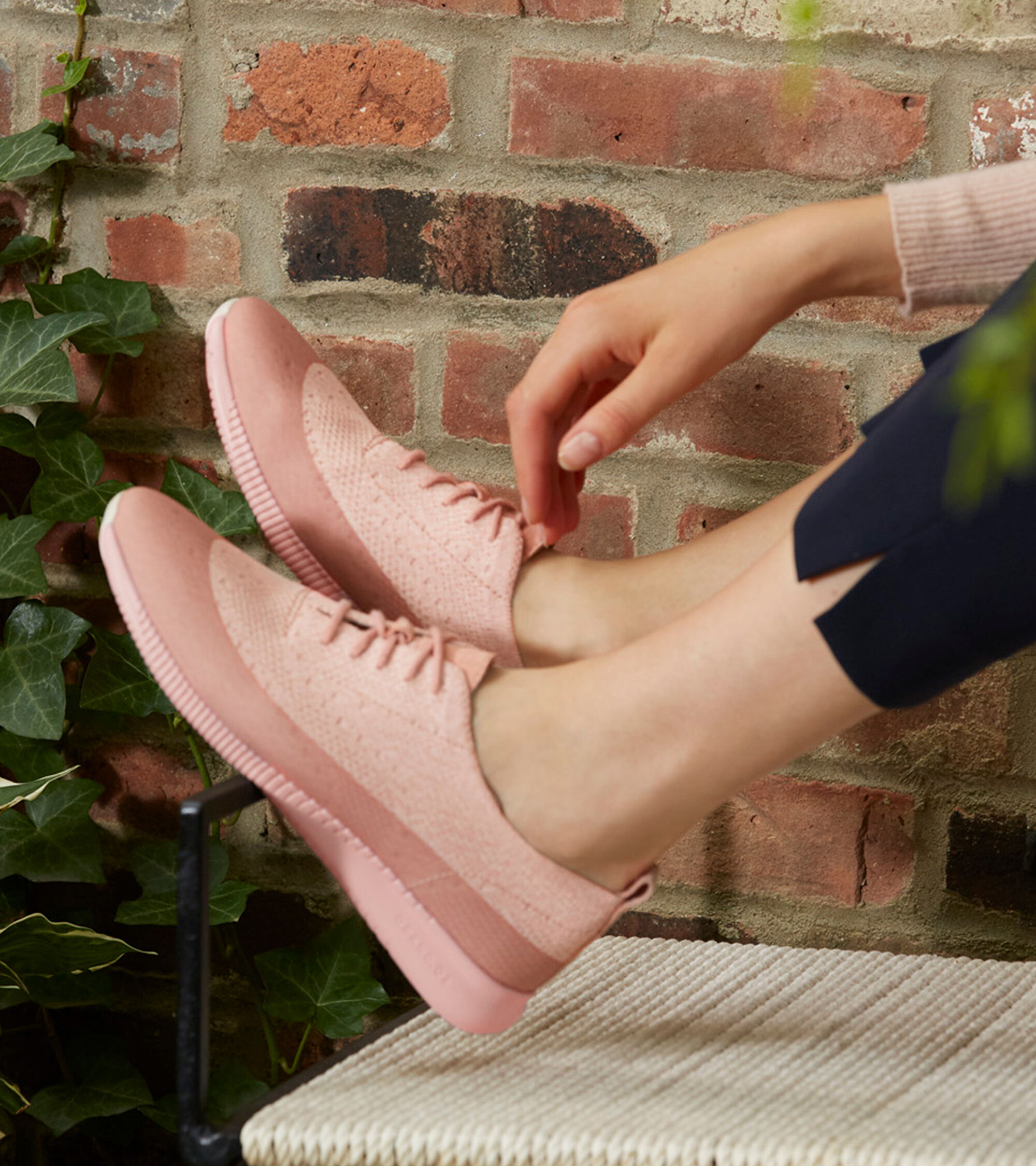 7a75006a2f ZERØGRAND Water Resistant Oxford with Stitchlite™; Women's ...